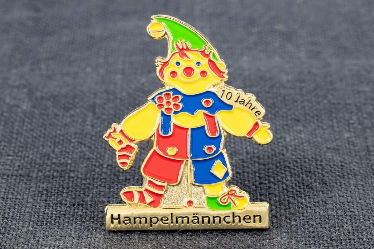 pin-anstecker softemaille hampelmaennchen