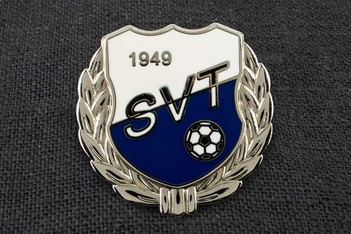 """Anstecknadel Fußball """"SVT"""""""