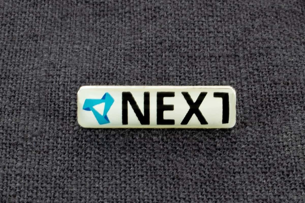 """Anstecknadel Siebdruck """"Next"""""""
